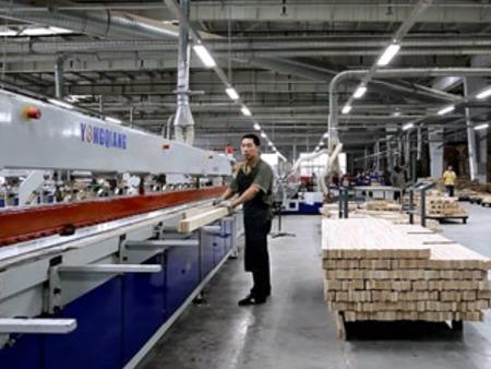 工业搬运机器人应用在家具行业