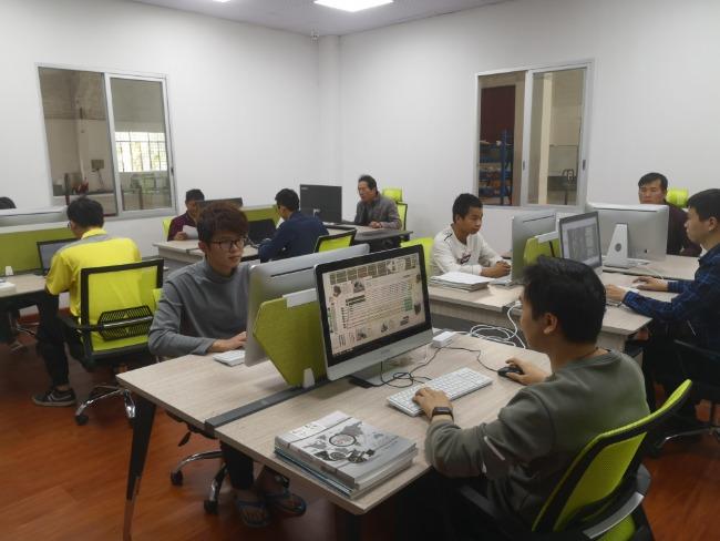 米海AGV机器人技术团队