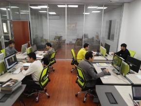 米海AGV搬运机器人的办公环境