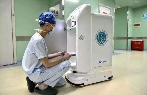 AGV搬运机器人在制药行业的应用
